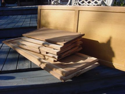 THESE ARE KITCHEN CUPBOARD DOORS THAT I WILL MAKE INTO TABLES ,CUPBOARDS & BLANKET CHESTS. I HAVE ENOUGH TO KEEP ME BUSY FOR AWHILE.