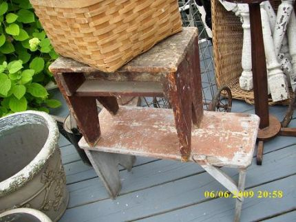 PICNIC BASKET,2 STOOLS,PORCH SPINDLES IN ANOTHER OLD BASKET