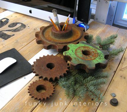 My favorite rusty gears on my blogging desk got a purdy green friend to help ring in the festive season.