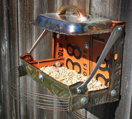I used double, matching vintage plates for this feeder to give it some extra size for birds of all sizes.